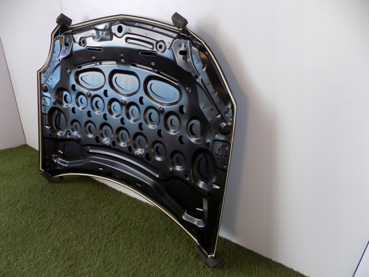 Mercedes C Class W204 Mask / Engine Cover 3015