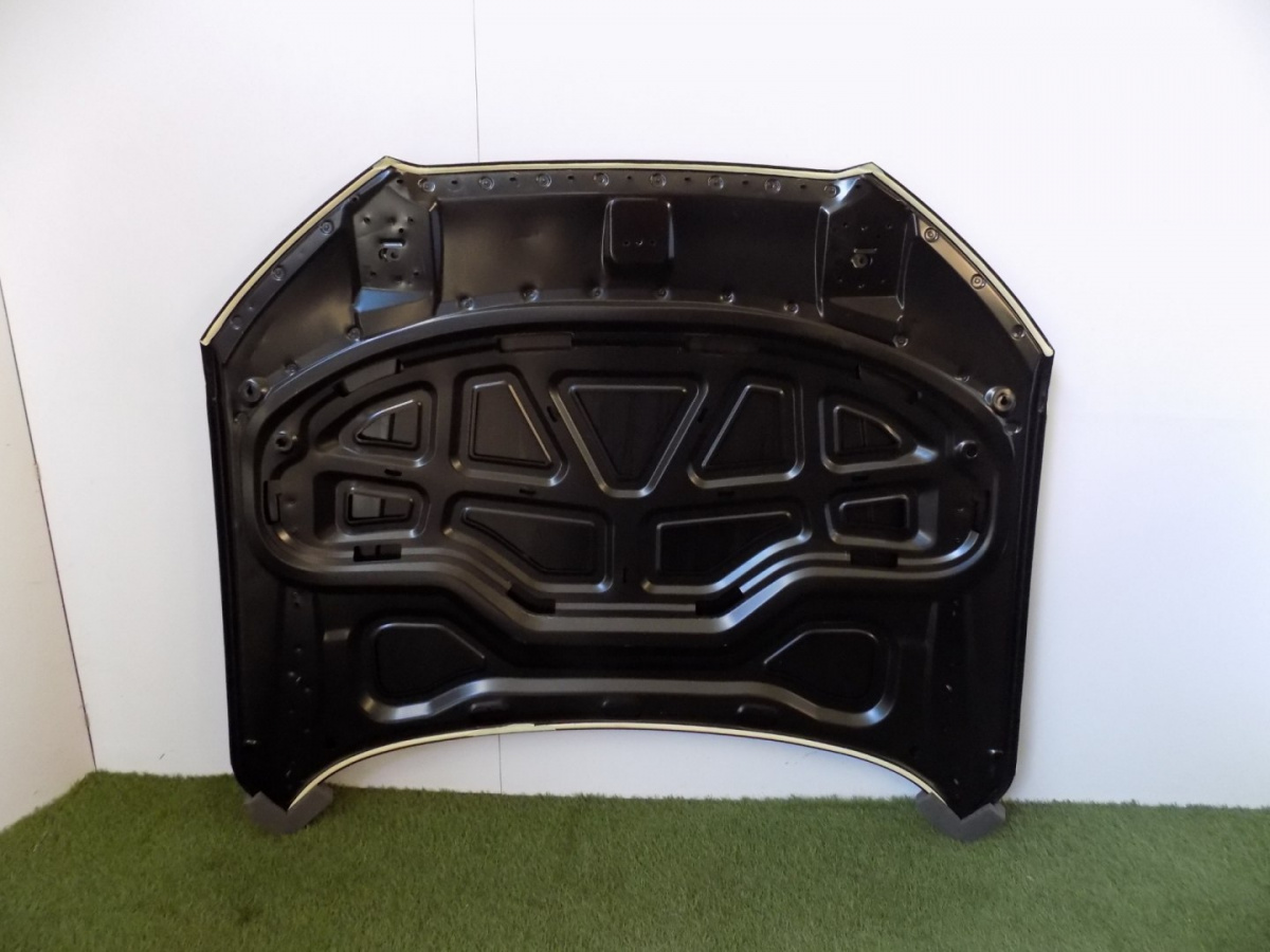 Audi A8 4H0 LCI Mask / Engine Cover - 3700
