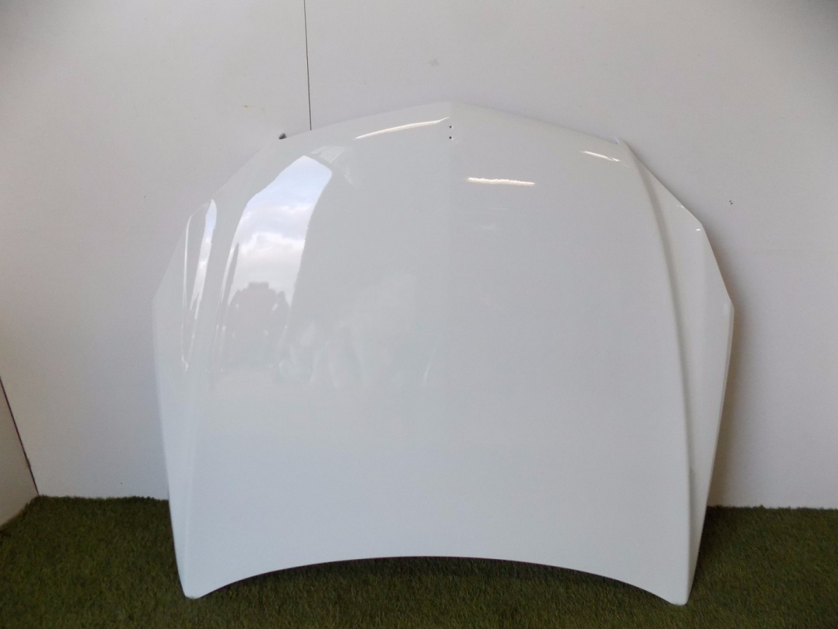 Mercedes W207 Bonnet / Engine cover - 5889